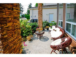 Photo 3: 15445 20TH AV in Surrey: King George Corridor House for sale (South Surrey White Rock)  : MLS®# F1427514
