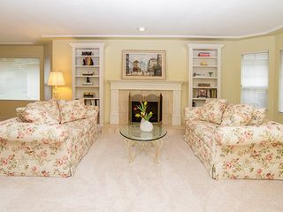 Photo 4: 104-6082 W. Boundary Drive in Surrey: Panorama Ridge Townhouse for sale : MLS®# r2052148