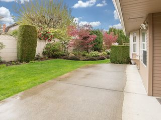 Photo 18: 104-6082 W. Boundary Drive in Surrey: Panorama Ridge Townhouse for sale : MLS®# r2052148
