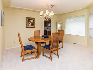 Photo 5: 104-6082 W. Boundary Drive in Surrey: Panorama Ridge Townhouse for sale : MLS®# r2052148