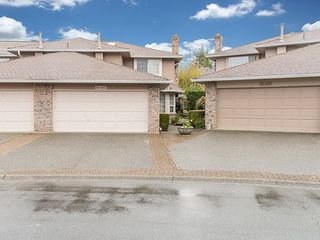 Photo 2: 104-6082 W. Boundary Drive in Surrey: Panorama Ridge Townhouse for sale : MLS®# r2052148