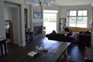 Photo 6: 302 6263 RIVER ROAD in Delta: East Delta Condo for sale (Ladner)  : MLS®# R2261893