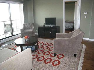 Photo 2: #801 10319 111 ST: Edmonton Condo for sale : MLS®# E3425906