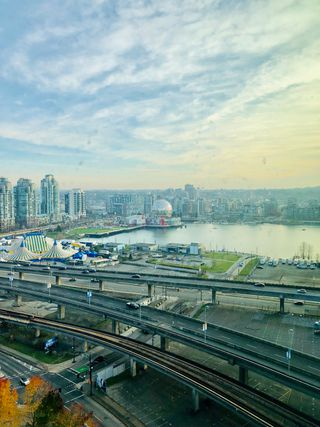 Photo 2: 2509-688 Abbott Street in Vancouver: Downtown PG Condo for sale (Vancouver West)