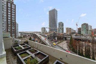 """Photo 11: 616 1372 SEYMOUR Street in Vancouver: Downtown VW Condo for sale in """"The Mark"""" (Vancouver West)  : MLS®# R2431692"""