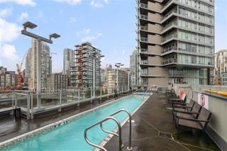 """Photo 10: 616 1372 SEYMOUR Street in Vancouver: Downtown VW Condo for sale in """"The Mark"""" (Vancouver West)  : MLS®# R2431692"""