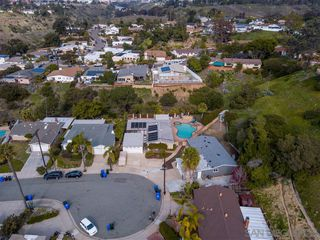 Photo 3: SERRA MESA House for sale : 4 bedrooms : 2386 Ron Way in San Diego