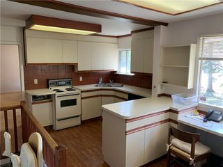 Photo 3: 615 Townsend Avenue in Winnipeg: Fort Richmond Residential for sale (1K)  : MLS®# 202009710