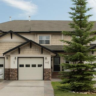 Main Photo: 321 ADDINGTON Drive in Red Deer: Anders South Residential for sale : MLS®# A1007971