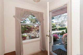 Photo 3: 2002 Lorne Terr in Oak Bay: OB Gonzales House for sale : MLS®# 838091