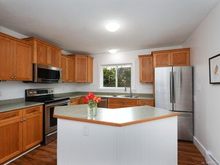Photo 9: 2359 Brethour Ave in Sidney: Si Sidney North-East House for sale : MLS®# 844374