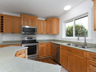 Photo 11: 2359 Brethour Ave in Sidney: Si Sidney North-East House for sale : MLS®# 844374