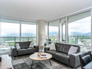 """Photo 4: 2701 4189 HALIFAX Street in Burnaby: Brentwood Park Condo for sale in """"Aviara"""" (Burnaby North)  : MLS®# R2493408"""