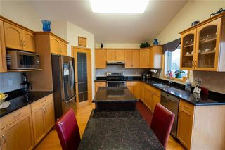Photo 9: 955 John Bruce Road in Winnipeg: Royalwood Residential for sale (2J)  : MLS®# 202026187