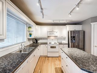 Photo 13: 233 Edgevalley Way NW in Calgary: Edgemont Detached for sale : MLS®# A1055738