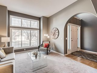 Photo 5: 233 Edgevalley Way NW in Calgary: Edgemont Detached for sale : MLS®# A1055738