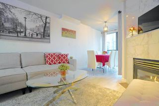 Photo 2: 1603 939 HOMER Street in Vancouver: Yaletown Condo for sale (Vancouver West)  : MLS®# R2525157