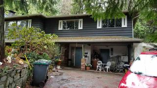 Photo 2: 1418 MILL Street in North Vancouver: Lynn Valley House for sale : MLS®# R2528947