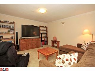 """Photo 9: 57 21579 88B Avenue in Langley: Walnut Grove Townhouse for sale in """"CARRIAGE PARK"""" : MLS®# F1218032"""