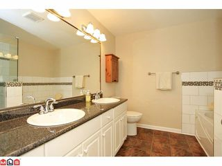 """Photo 5: 57 21579 88B Avenue in Langley: Walnut Grove Townhouse for sale in """"CARRIAGE PARK"""" : MLS®# F1218032"""