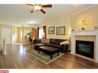 """Photo 2: 57 21579 88B Avenue in Langley: Walnut Grove Townhouse for sale in """"CARRIAGE PARK"""" : MLS®# F1218032"""