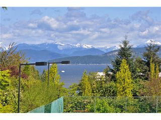 Photo 4: 4818 W Fannin Avenue in Vancouver: Point Grey House for sale (Vancouver West)  : MLS®# V1054798