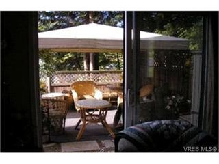 Photo 7:  in VICTORIA: SW Glanford Row/Townhouse for sale (Saanich West)  : MLS®# 396682