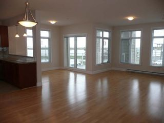 Photo 2: 201 4211 Bayview Street in The Village: Home for sale