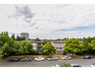 Photo 2: # 404 1251 W 71ST AV in Vancouver: Marpole Condo for sale (Vancouver West)  : MLS®# V1131643