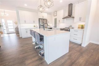 Photo 5: 8 Beck Cove in Winnipeg: Residential for sale (1G)  : MLS®# 202003818