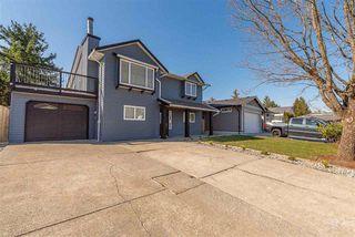 Photo 1: 11741 Glenhurst Street in Maple Ridge: Cottonwood MR House for sale : MLS®# R2446363