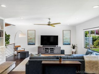 Photo 5: LA MESA House for sale : 4 bedrooms : 8522 Boulder Dr