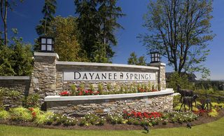 """Photo 3: 171 3105 DAYANEE SPRINGS Boulevard in Coquitlam: Westwood Plateau Townhouse for sale in """"WHITETALL LANE 2"""" : MLS®# R2467269"""