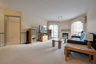 Photo 3: 205 7951 96 Street in Edmonton: Zone 17 Condo for sale : MLS®# E4204532