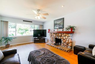 Photo 3: 335 SEAVIEW Drive in Port Moody: College Park PM House for sale : MLS®# R2478456