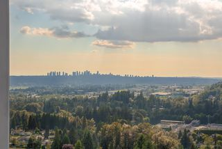 """Photo 8: 2603 520 COMO LAKE Avenue in Coquitlam: Coquitlam West Condo for sale in """"THE CROWN"""" : MLS®# R2483945"""
