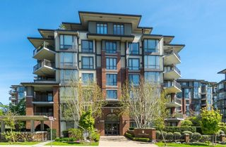 "Photo 1: 602 1581 FOSTER Street: White Rock Condo for sale in ""SUSSEX HOUSE"" (South Surrey White Rock)  : MLS®# R2490352"