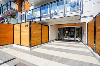 """Photo 2: 207 215 MOWAT Street in New Westminster: Uptown NW Condo for sale in """"Cedarhill Manor"""" : MLS®# R2492600"""
