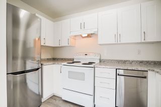 """Photo 3: 207 215 MOWAT Street in New Westminster: Uptown NW Condo for sale in """"Cedarhill Manor"""" : MLS®# R2492600"""