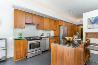 "Photo 13: 207 33 W PENDER Street in Vancouver: Downtown VW Condo for sale in ""33 Living"" (Vancouver West)  : MLS®# R2495169"
