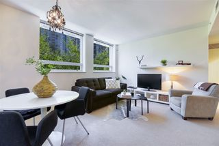 """Photo 5: 306 638 BEACH Crescent in Vancouver: Yaletown Condo for sale in """"ICON"""" (Vancouver West)  : MLS®# R2505889"""