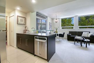 """Photo 2: 306 638 BEACH Crescent in Vancouver: Yaletown Condo for sale in """"ICON"""" (Vancouver West)  : MLS®# R2505889"""