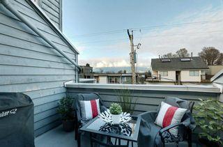 "Photo 10: PH7 2125 YORK Avenue in Vancouver: Kitsilano Condo for sale in ""York Gardens"" (Vancouver West)  : MLS®# R2516405"