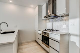 "Photo 4: 3903 6098 STATION Street in Burnaby: Metrotown Condo for sale in ""STATION SQUARE 3"" (Burnaby South)  : MLS®# R2522634"