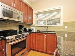 Photo 8: 206 866 Brock Ave in VICTORIA: La Langford Proper Condo for sale (Langford)  : MLS®# 603957