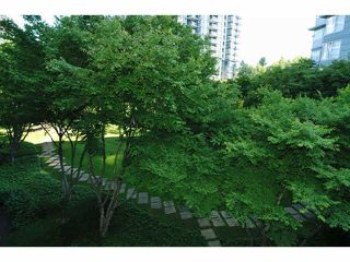 "Photo 16: 414 260 NEWPORT Drive in Port Moody: North Shore Pt Moody Condo for sale in ""THE MCNAIR"" : MLS®# V1078389"