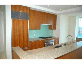 "Photo 7: 2704 1077 W CORDOVA ST in Vancouver: Coal Harbour Condo for sale in ""SHAW TOWER"" (Vancouver West)  : MLS®# V537380"