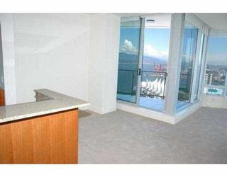 "Photo 5: 2704 1077 W CORDOVA ST in Vancouver: Coal Harbour Condo for sale in ""SHAW TOWER"" (Vancouver West)  : MLS®# V537380"