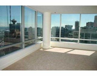 "Photo 3: 2704 1077 W CORDOVA ST in Vancouver: Coal Harbour Condo for sale in ""SHAW TOWER"" (Vancouver West)  : MLS®# V537380"