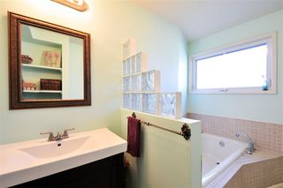 Photo 11: 21016 OLD YALE ROAD in Langley: Langley City House for sale : MLS®# R2037132